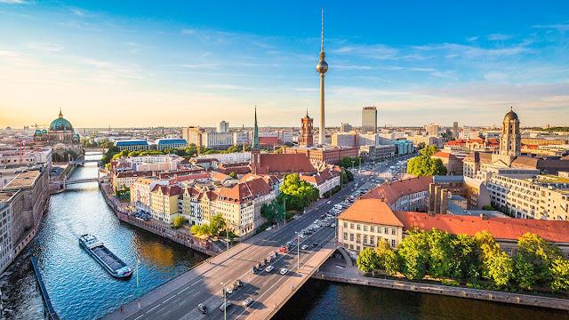 Berlín se encuentra a 50 km del sitio del Encuentro Internacional