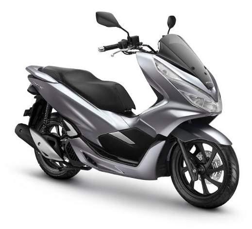 Warna Baru Honda PCX 150 Matte Silver