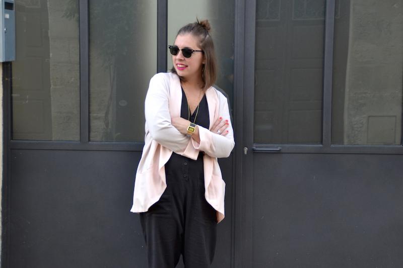 blazer rose pimkie, combinaison en lin Asos,collier Lily's creations et rebecca minkoff.,