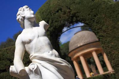 Estatua de Eros en el Parc del Laberint