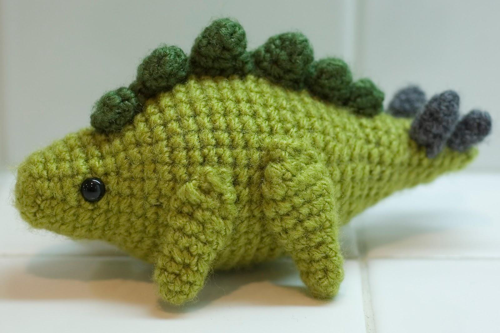 Free Patterns by H: Stegosaurus Amigurumi