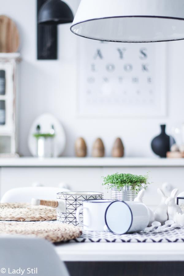 DIY Dezente schwarz weiße  Osterdeko aus Konservendosen, Löffeln und Bubikopf selber machen