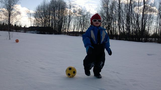 hankiset jalkapallo talvella