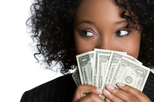 Para o bem e para o mal, o dinheiro é um propulsor. Ser bem remunerado e realizar seus projetos são sim metas importantes.