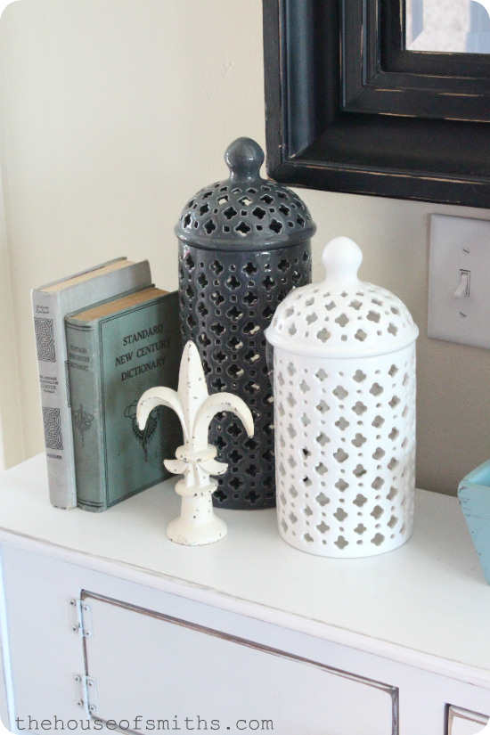 """Simple Summer Decor & Learning To Lose The """"Stuff"""""""