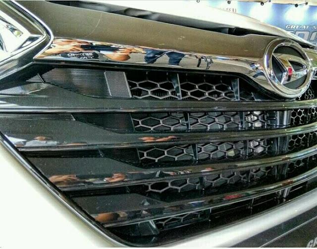 Spesifikasi Daihatsu Xenia Custom