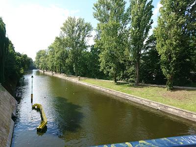 Der Landwehrkanal bem Bad