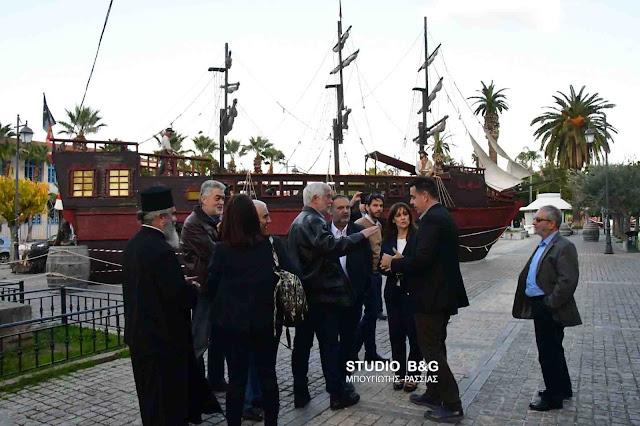 Εντυπωσιάστηκε ο Τατούλης με το Πειρατικό καράβι στο Ναύπλιο