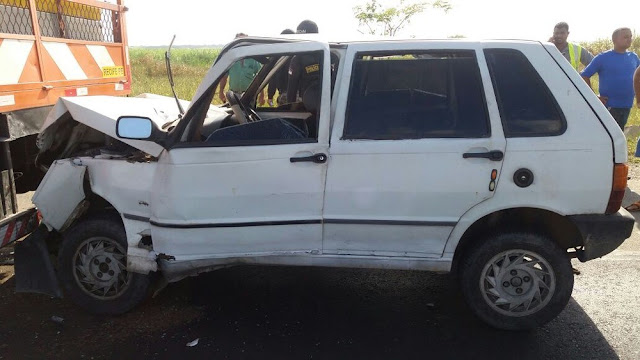 Atropelamento seguido de colisão na BR-101 deixa um morto e um ferido em Goiana Leia