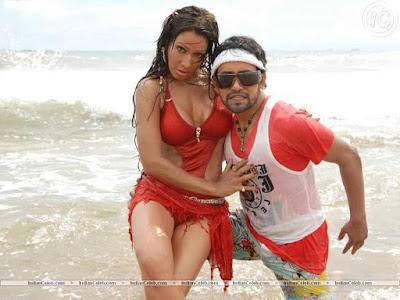 Pakhi hegde and Khesari lal yadav