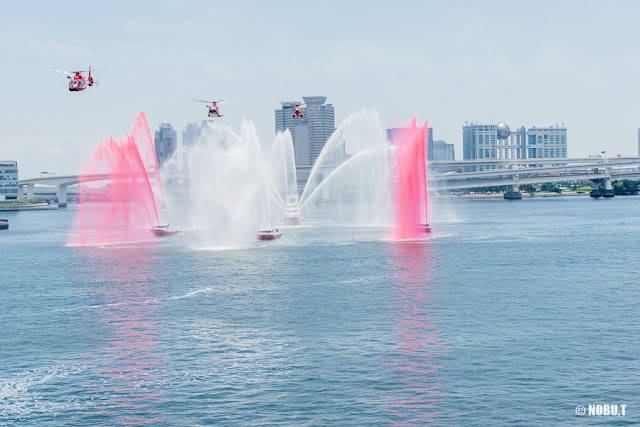 「水の消防ページェント」・放水演技