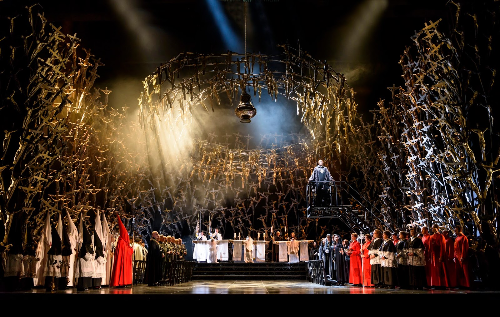 Planet Hugill Religious Fervour La Fura Dels Baus Dramatic Interpretation Of Bellini S Norma At Covent Garden