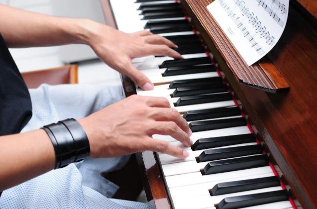 HỌC ĐÁNH ĐÀN GUITAR, PIANO, ORGAN TẠI BÌNH THẠNH HCM