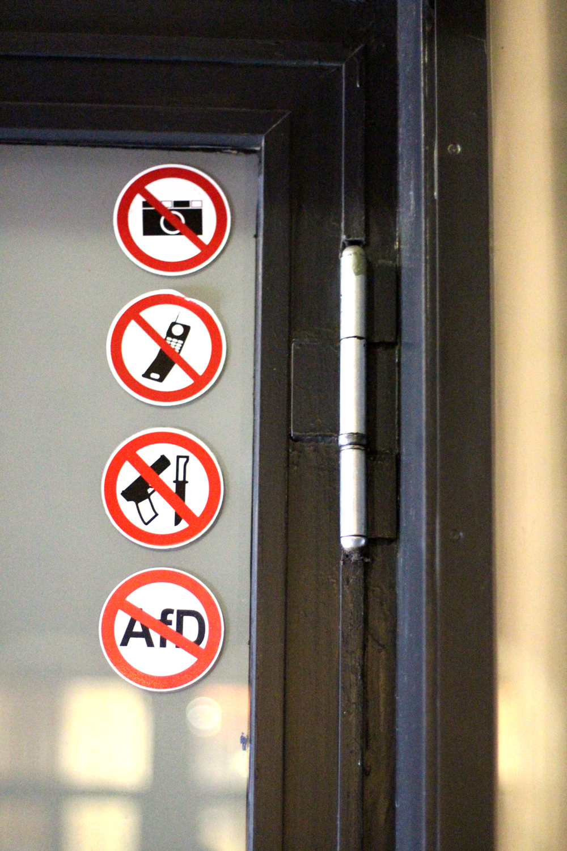 No photos sign at Nobelhart & Schmutzig restaurant in Berlin - luxury travel & foodie blog