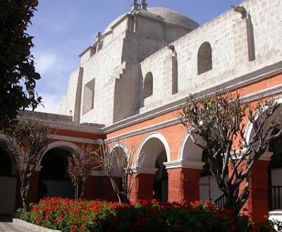 Foto a las áreas verdes del Convento de Santa Catalina