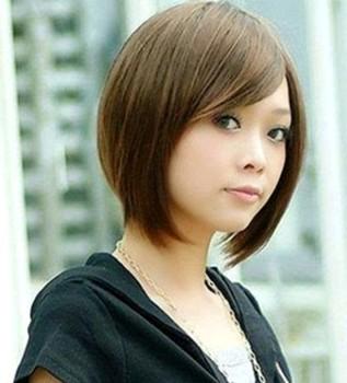 Model rambut pendek sebahu lurus