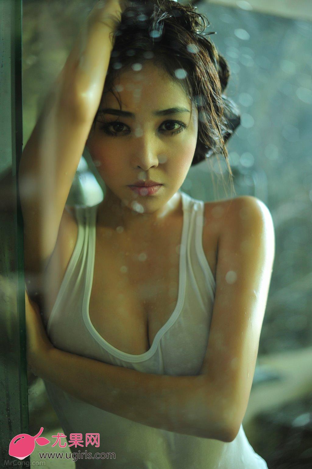 Người đẹp Zhang Yi Wen (张译文) ướt át sexy trong bộ ảnh UGIRLS 012