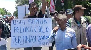 Ampel Demo Tolak Pendirian Pabrik Aqua Danone