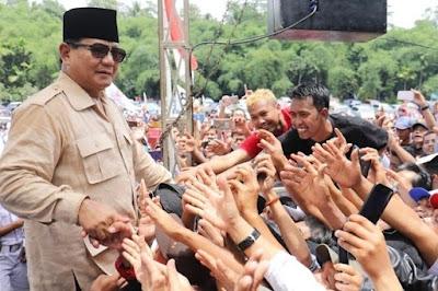 "Sapa Anak Muda Garut, Prabowo Bilang ""Punya Kerja Belum? Gimana Mau Dapat Pacar Kalau Nganggur"""