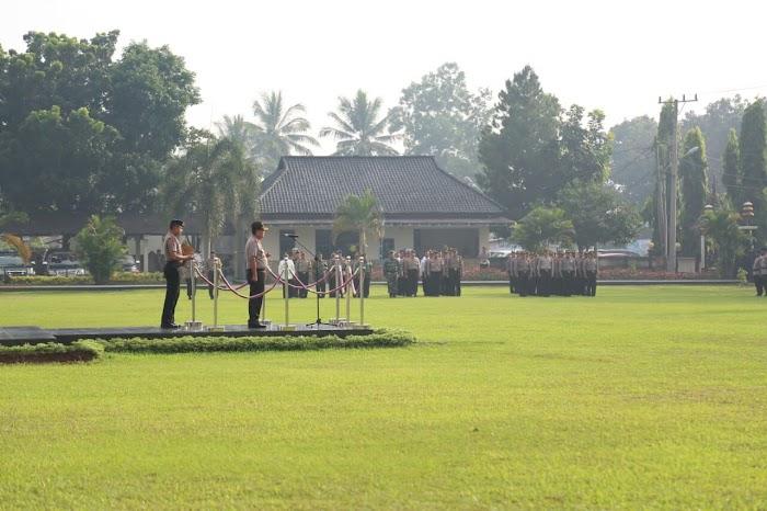 Kapolda Lampung Pimpin Upacara Tiga Pilar di Lapangan Polres Lamtim