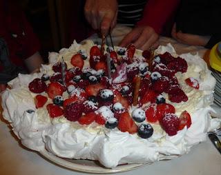 pavlova birthday cake