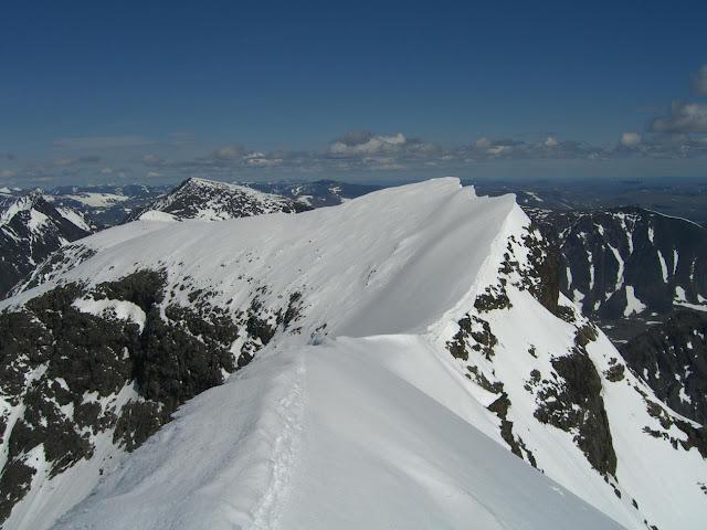 Ο καύσωνας λιώνει τα βουνά - Η υψηλότερη κορυφή στη Σουηδία έχασε 4 μέτρα ύψος  (βίντεο)