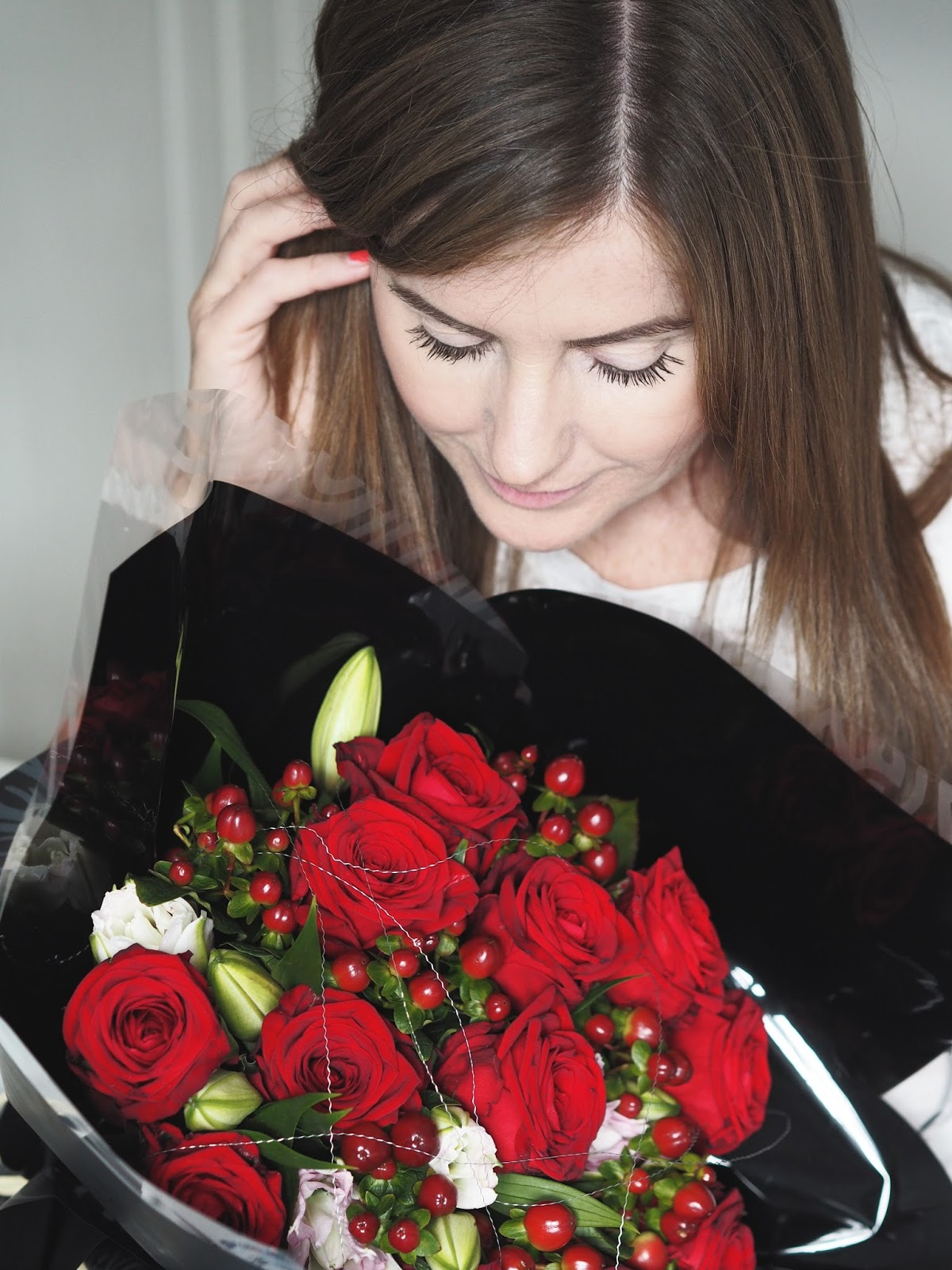 Getting a little festive with Prestige Flowers \ Christmas \ bouquet \ flowers \ gift ideas \ red roses \ Priceless Life of Mine \ Over 40 lifestyle blog