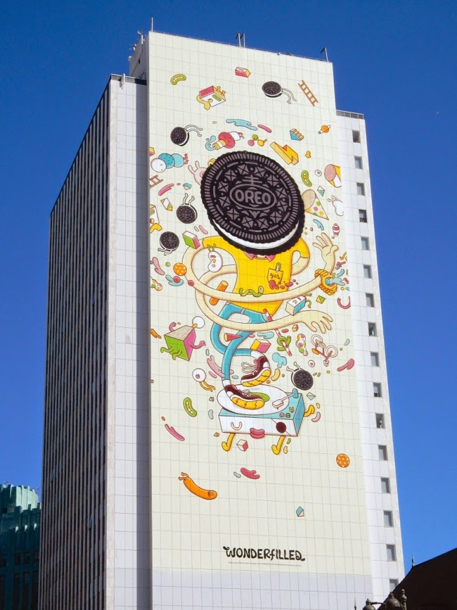 Giant Oreo Wonderfilled billboard