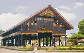 rumah-adat-tradisional-provinsi-aceh-penjelasan-dan-gambar