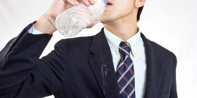Diet Aman Murah Dan Mudah Hanyalah dengan Minum Air Putih
