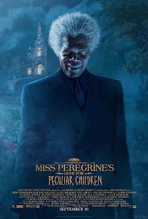 Affiche américaine de Miss Peregrine et les enfants particuliers, avec Samuel L. Jackson en méchant aux yeux blancs