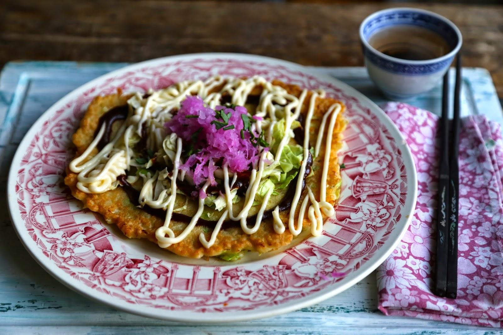 okonomiyake, Japanese cabbage pancake omelette,