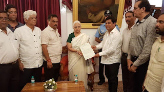 14-congress-mla-meet-goa-governor