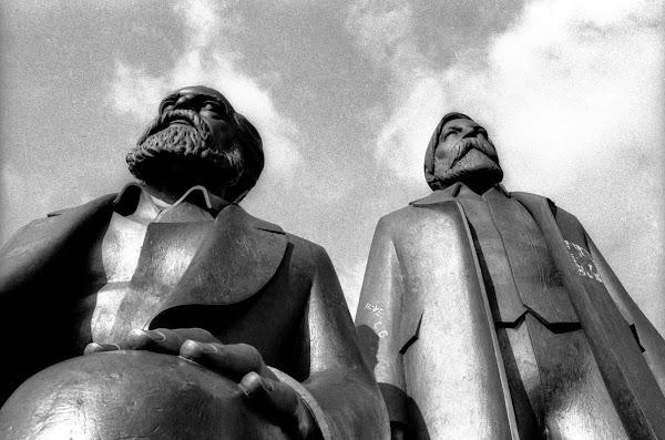 Berlin, Marx-Engels-Forum, Marx, Engels, Ludwig Engelhardt, © L. Gigout, 1990