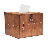 Mühürlü seçim sandığı ve oy zarfı