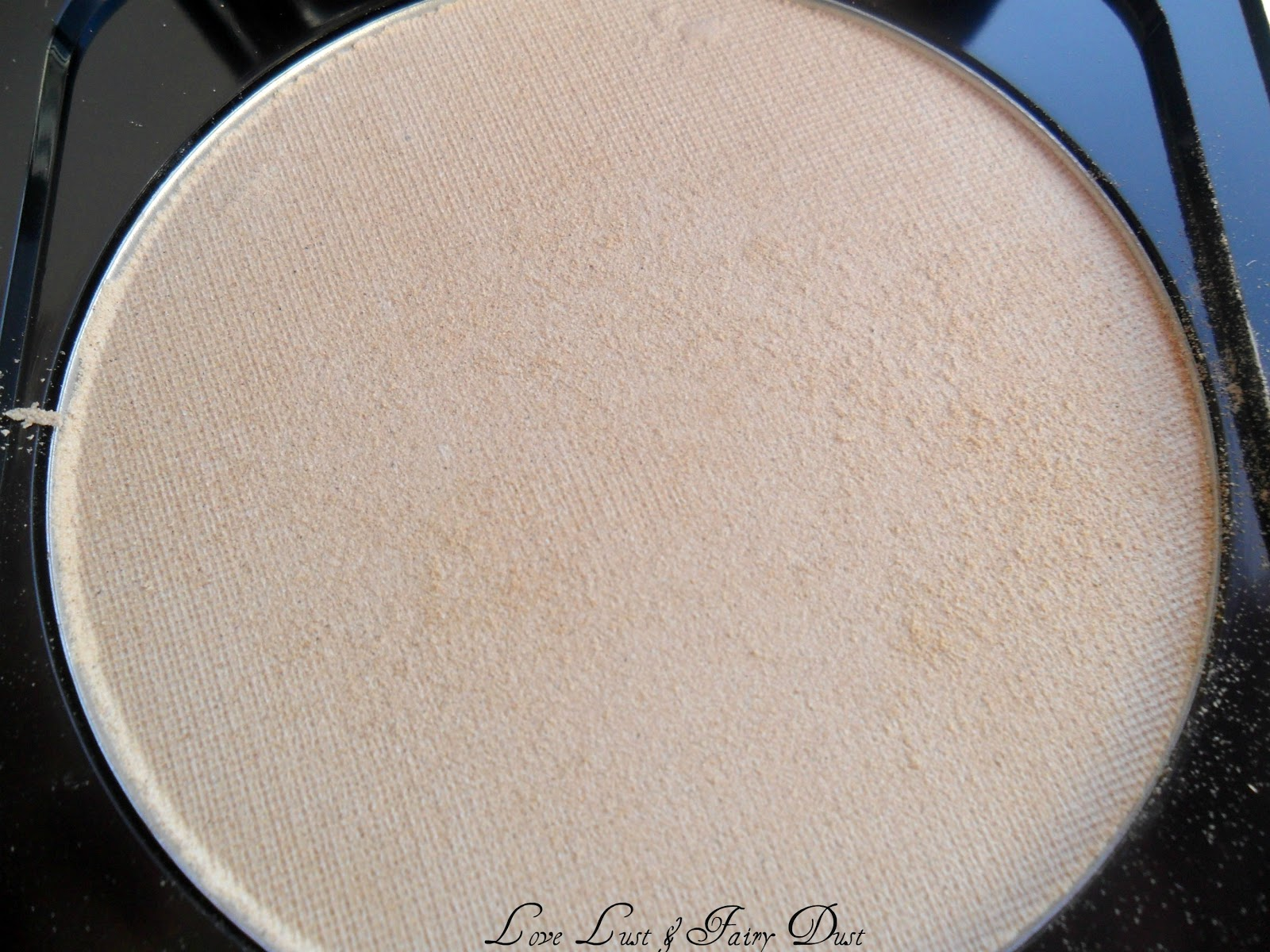 Corn Silk Translucent Pressed Powder review