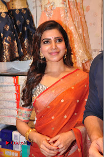 Actress Samantha Pictures in Saree at South India Shoping Mall Launch  0469.JPG