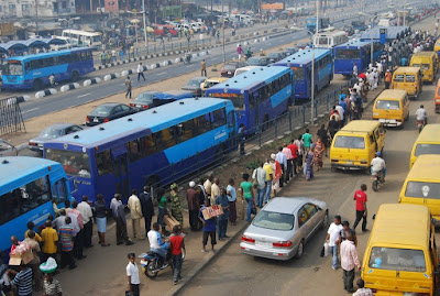 Street trading persists in Lagos despite govt ban