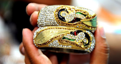 ways-to-take-care-of-your-precious-gold-jewellery