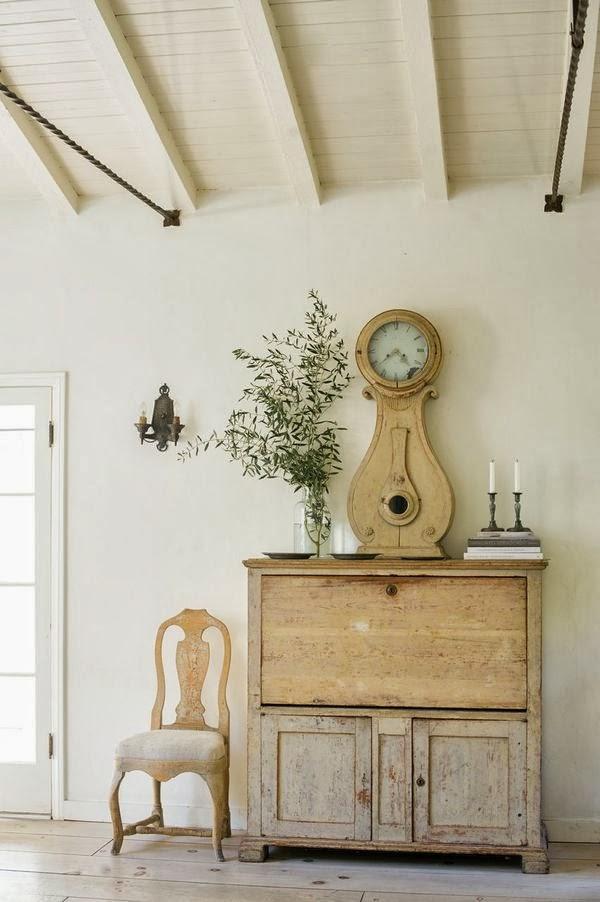 interiors-antique-clocks