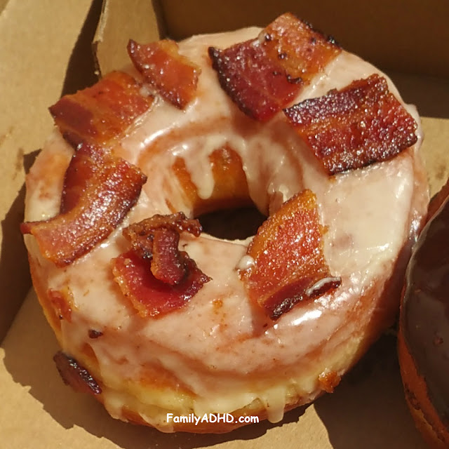Union Square Donuts Maple Bacon Donut Review Sommerville, MA