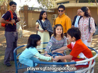 Sourav Ganguly, Shachin Tendulkar and their children and wives