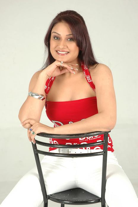 sonia agarwal sizzling shoot latest photos