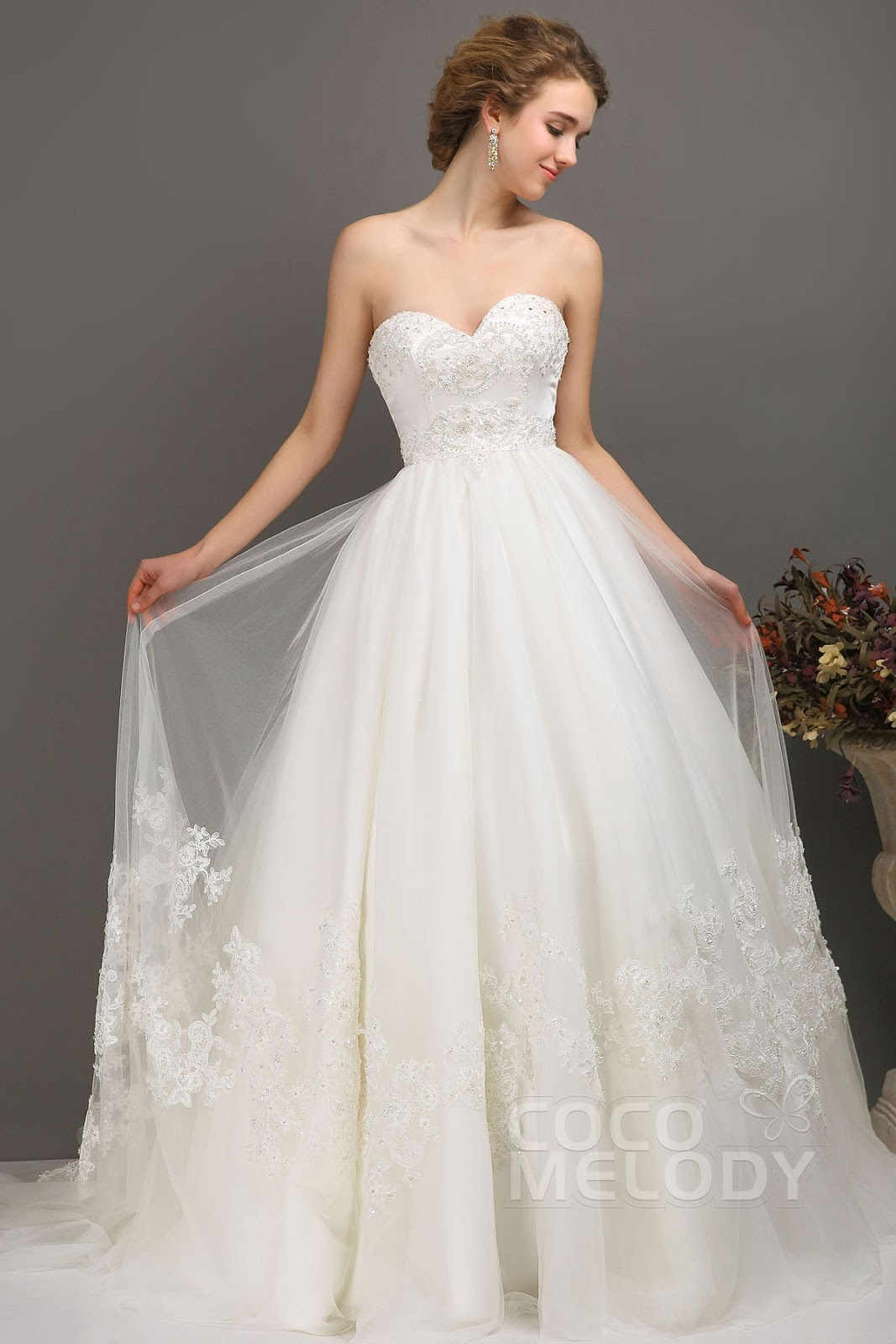 2013 the most beautiful wedding dress: On the autumn time of year ...