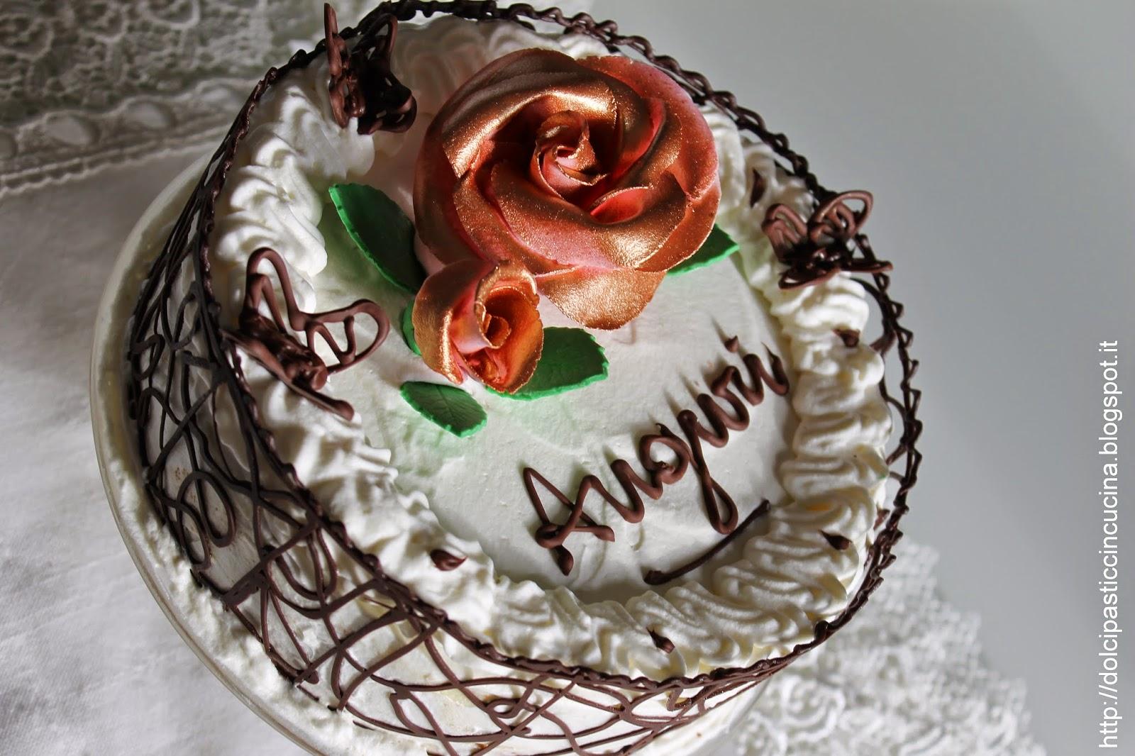Torta Decorata Con Cioccolato Idea D Immagine Di Decorazione