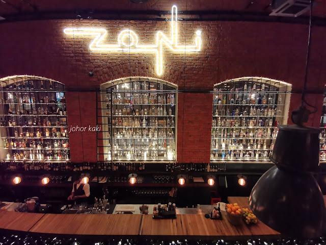 Zoni-Restaurant-Bar-Warsaw-Poland
