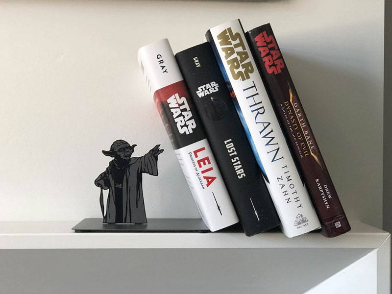 yoda-bookend-01 Star Wars Yoda Metal Bookend by Hallmark Design
