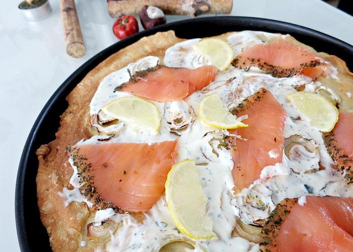 Pizza mit Lachs