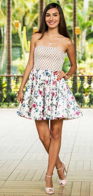 Yasmin (Marina Moschen) vestido florido