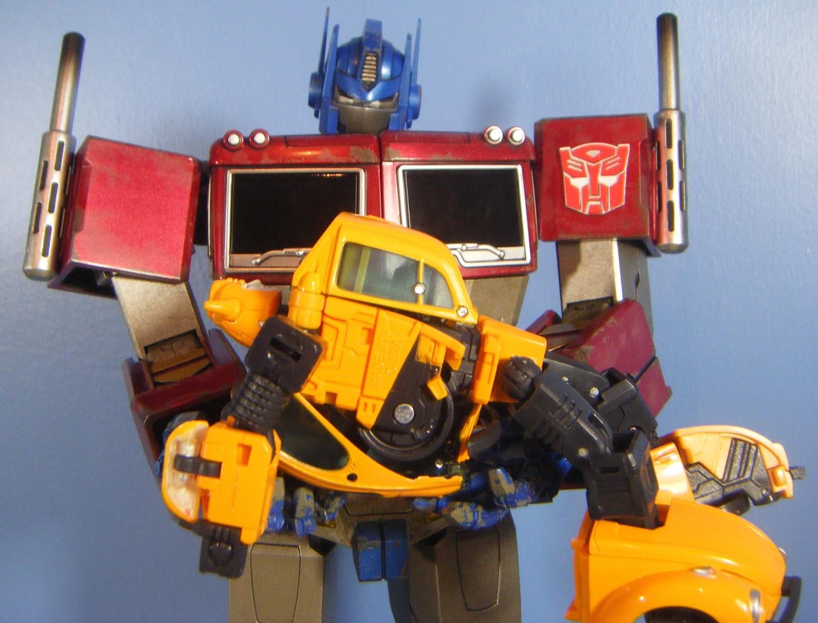 Masterforce UK: Hot Toys Optimus Prime Starscream Edition ...